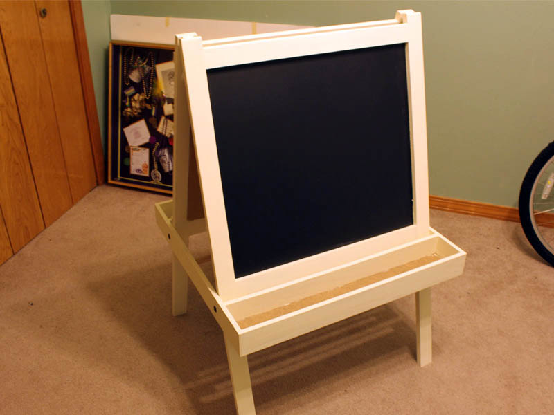 This is a picture of an Art Easel I made for <strong>Woodworkers Fighting Cancer. </strong> 